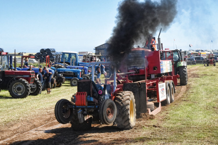 Tractor Pulling Rob Townsend1 web